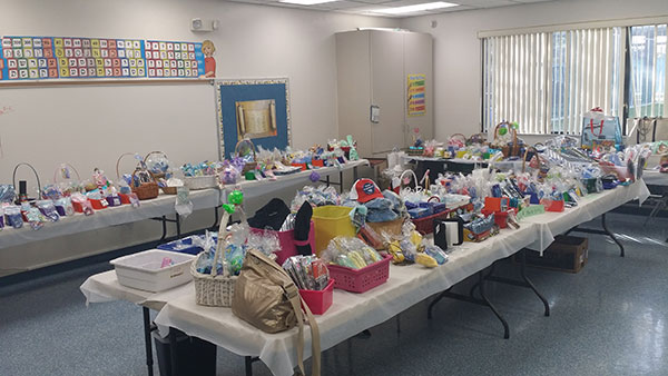 Pto Chanukah Boutique A Holiday Hit Posnack School